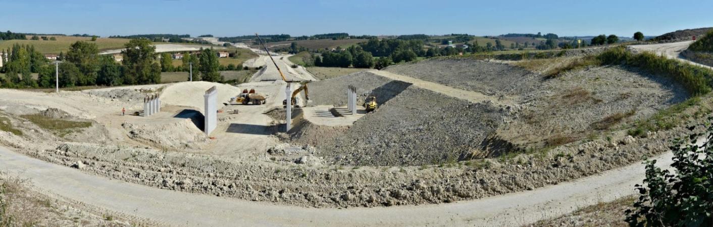 Certains chantiers ont un impact radical de fait, comme ici la Ligne à Grande Vitesse Sud Europe Atlantique