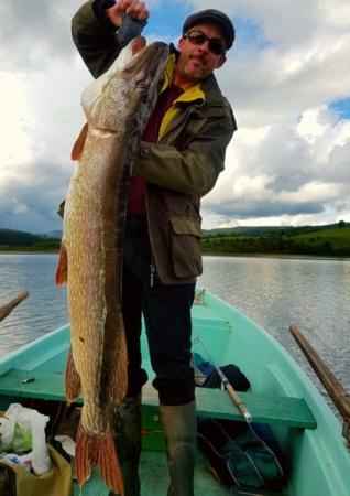 Brochet d'1,24 mètres pour 22 livres pris en Lac