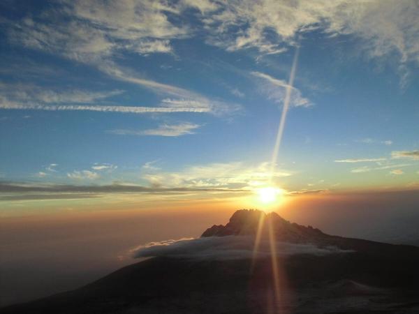 Levé de soleil sur le Kilimandjaro