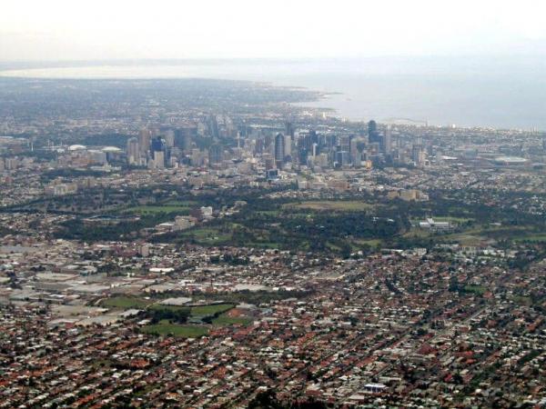 Milieu urbain particulièrement peuplé, ici à Melbourne.