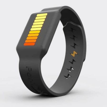 PornHub a commercialisé une montre qui produit de l'électricité renouvelable lors de la masturbation !