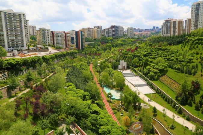 Si l'habitat vertical est souvent prépondèrent, la végétalisation a d'autant plus d'importance